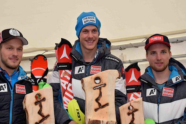 Manuel Feller siegte beim FIS-Slalom