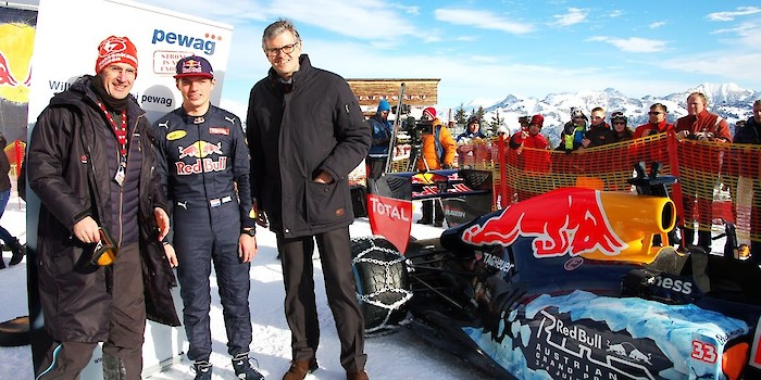 F1-Engine on Mount Hahnenkamm
