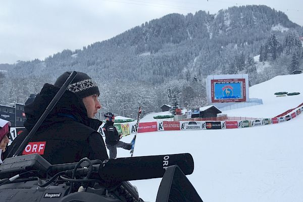 ORF 1 broadcasting live from Downhill Training