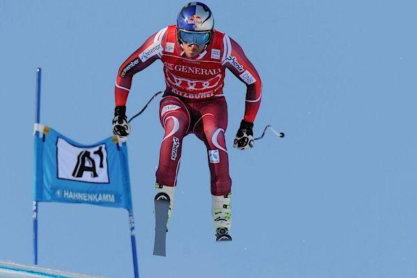 Svindal wins Super-G