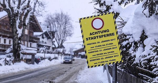 Limited car access to Kitzbühel city centre