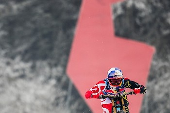Samo Vidic / Red Bull Content Pool
