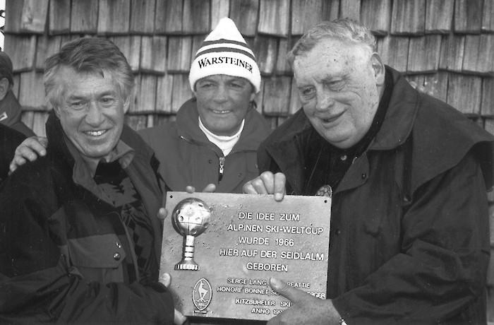 Bob Beattie (links) mit Toni Sailer und Serge Lang.