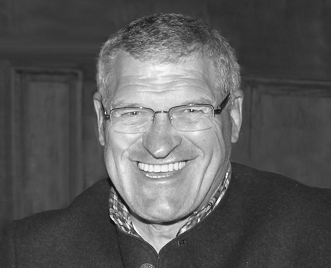 K.S.C. Mourns Hannes Huter