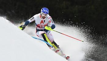 Als Vertreter der jungen Equipe - Jean-Baptiste Grange- er gewann zweimal den Hahnenkamm-Slalom (2008, 2011)